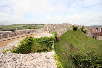 Carsibrooke Castle's outer walls